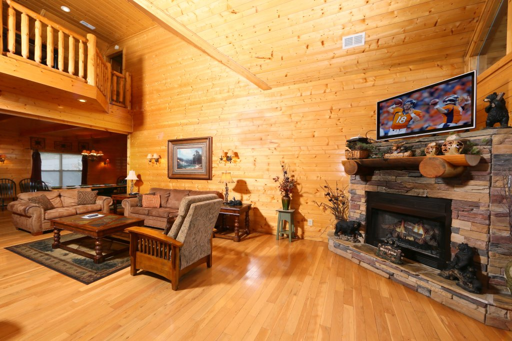 Photo of a Sevierville Cabin named Mountain Shadow Lodge - This is the fourth photo in the set.