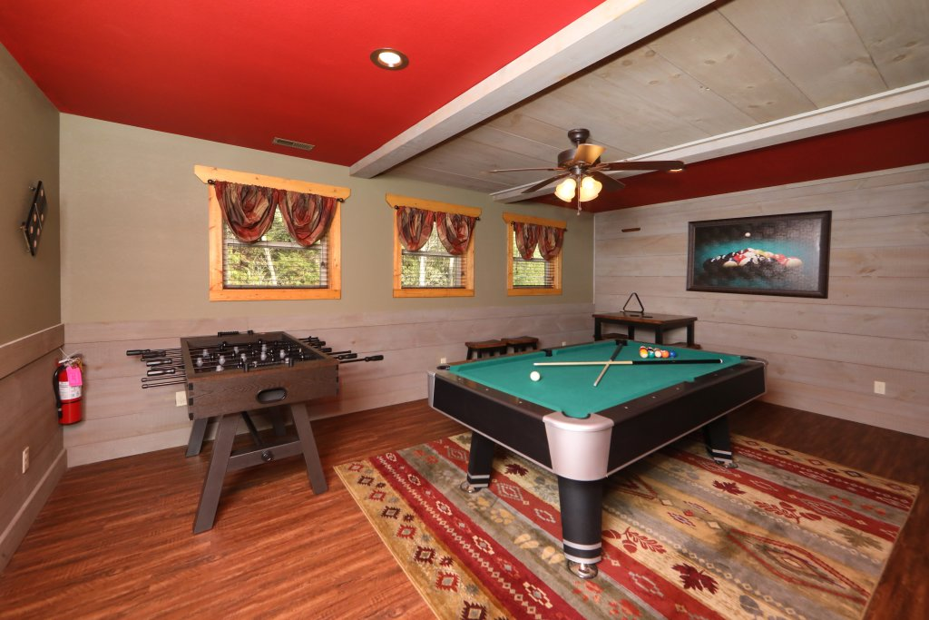 Photo of a Gatlinburg Chalet named Aqua Paradise - This is the thirty-fifth photo in the set.