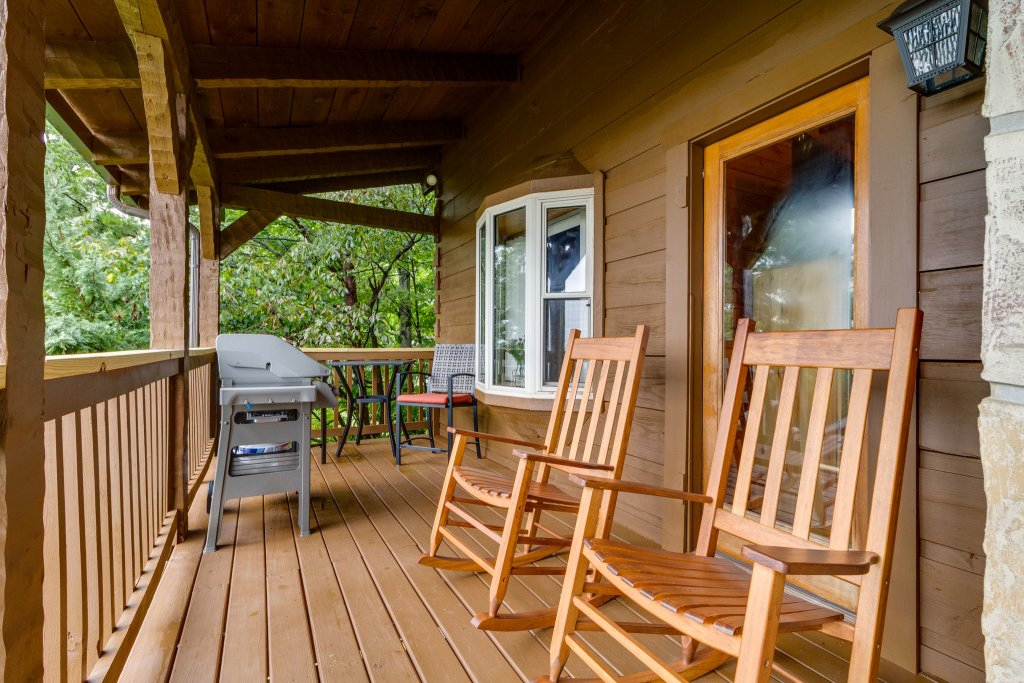 Photo of a Sevierville Cabin named Kickin' Back Jack - This is the fortieth photo in the set.