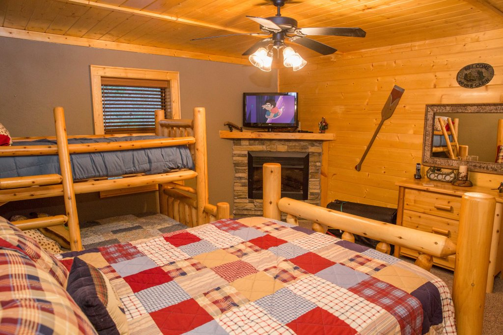 Photo of a Sevierville Cabin named Cub Creek Lodge - This is the twenty-first photo in the set.
