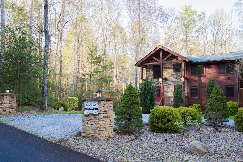 Photo of a Sevierville Cabin named Cub Creek Lodge - This is the forty-third photo in the set.