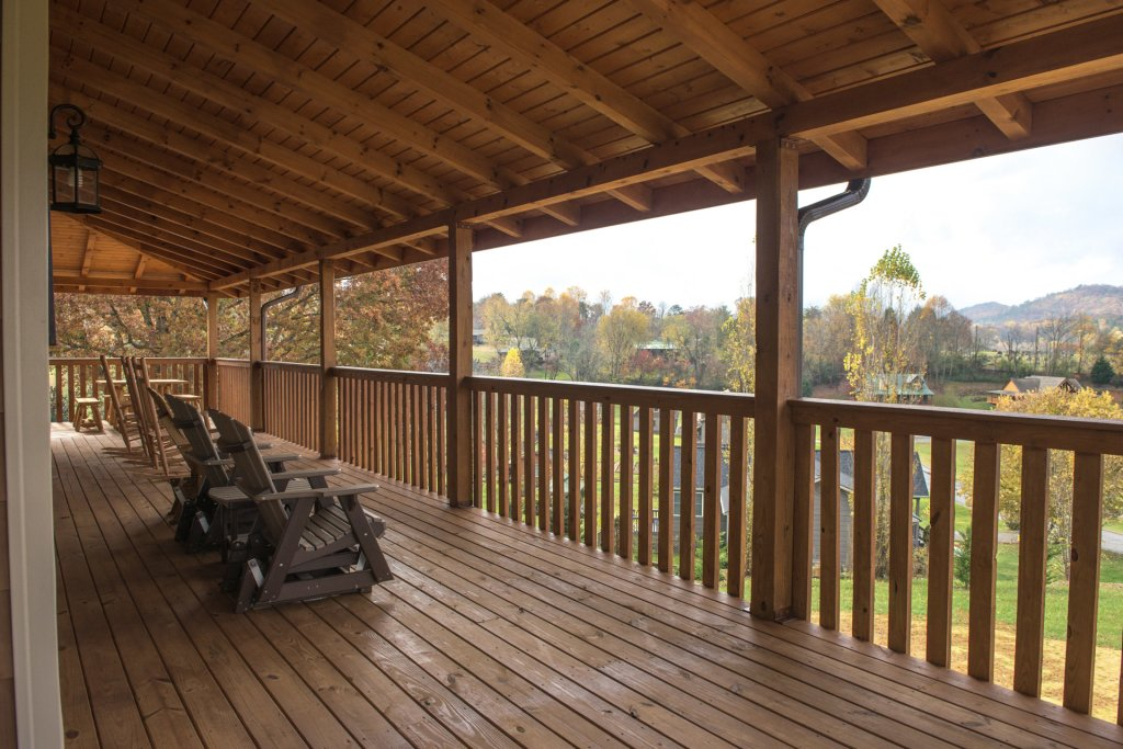 Photo of a Sevierville Cabin named Mountain Majesty - This is the twenty-seventh photo in the set.