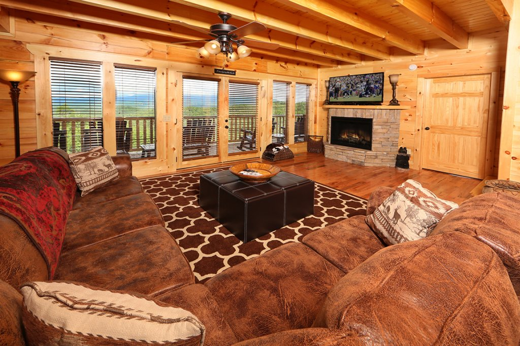 Photo of a Sevierville Cabin named Picture Perfect - This is the second photo in the set.