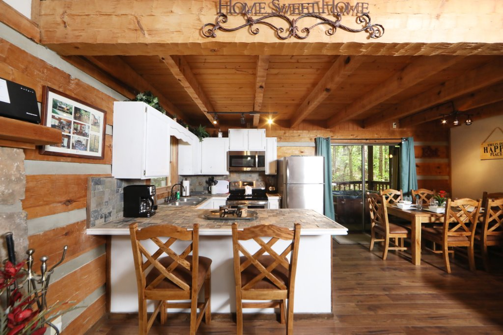 Photo of a Gatlinburg Cabin named Bear Trails - This is the twenty-first photo in the set.