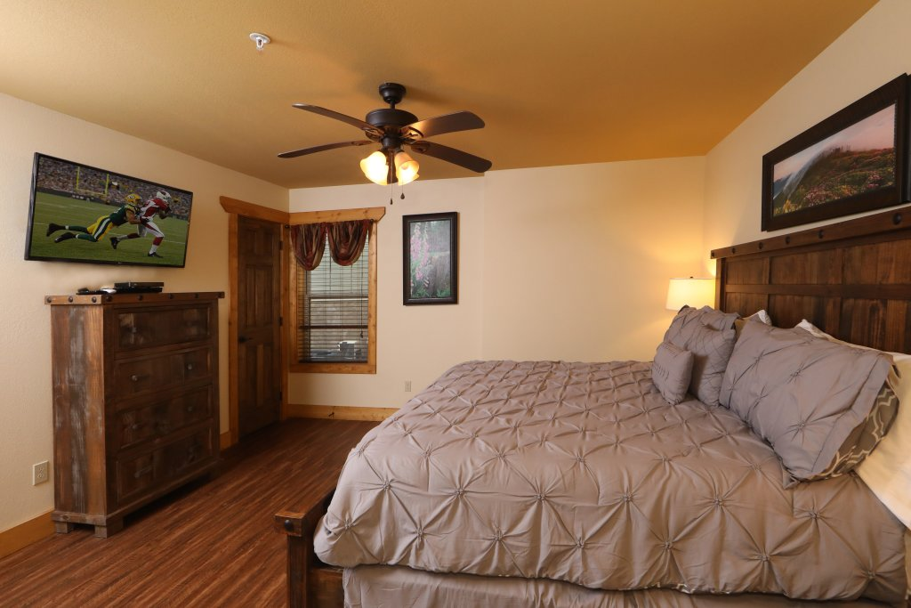 Photo of a Gatlinburg Chalet named Aqua Paradise - This is the twenty-second photo in the set.