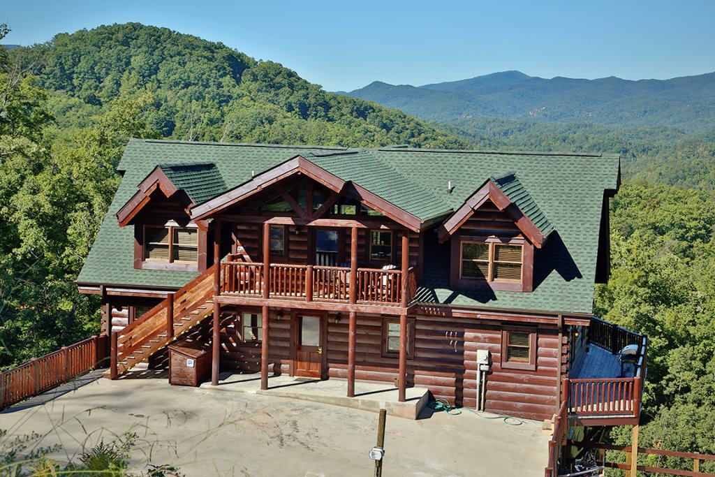 Photo of a Sevierville Cabin named Picture Perfect - This is the first photo in the set.