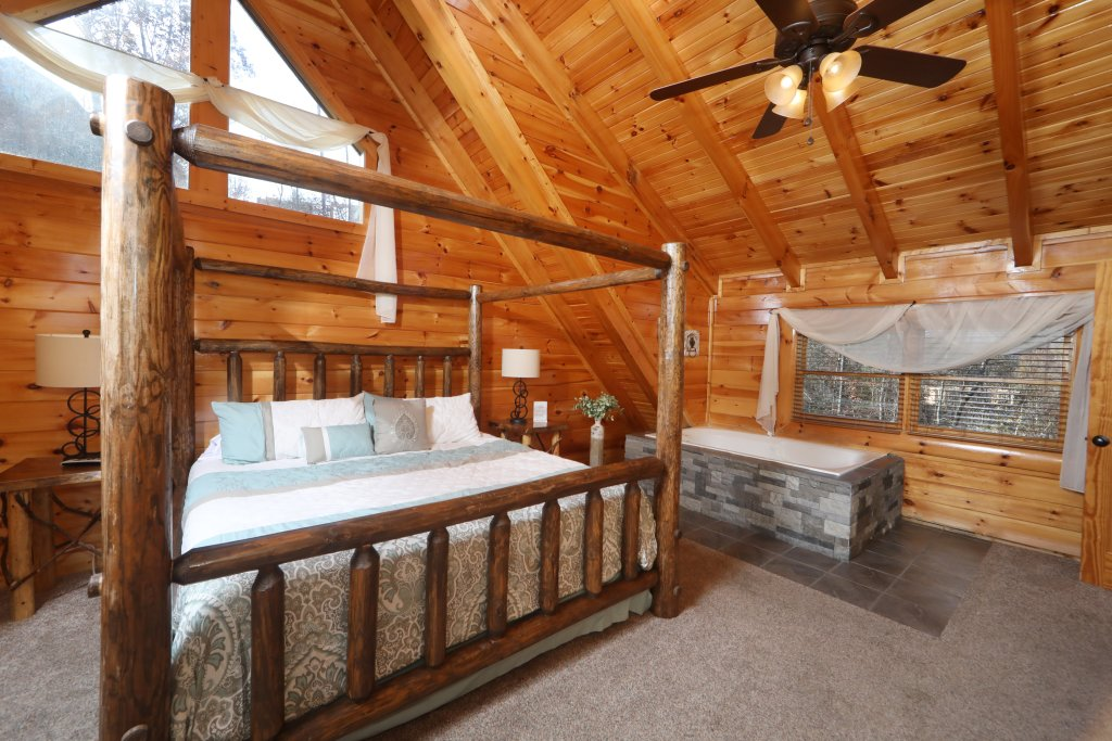 Photo of a Sevierville Cabin named Playhouse Cinema - This is the eighth photo in the set.