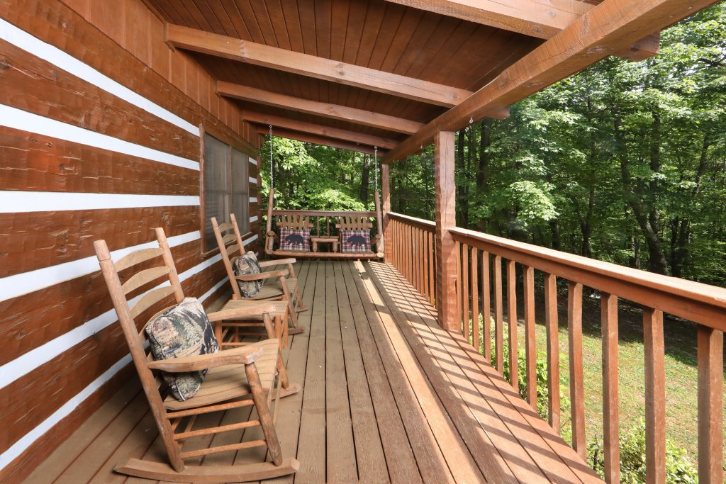 Photo of a Gatlinburg Cabin named Bear Trails - This is the twenty-eighth photo in the set.
