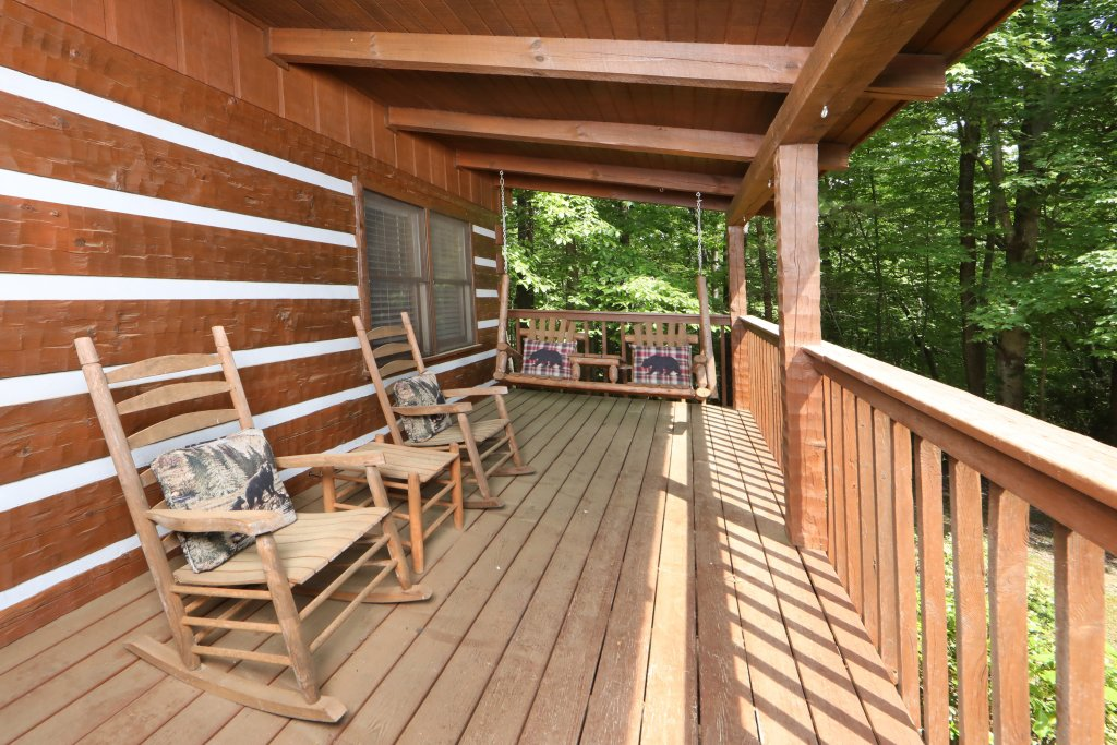 Photo of a Gatlinburg Cabin named Bear Trails - This is the twenty-ninth photo in the set.
