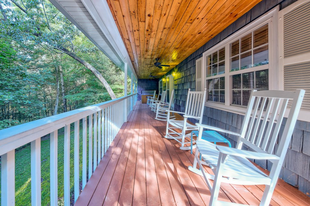 Photo of a Gatlinburg Chalet named Blue Mountain Mist - This is the twenty-second photo in the set.