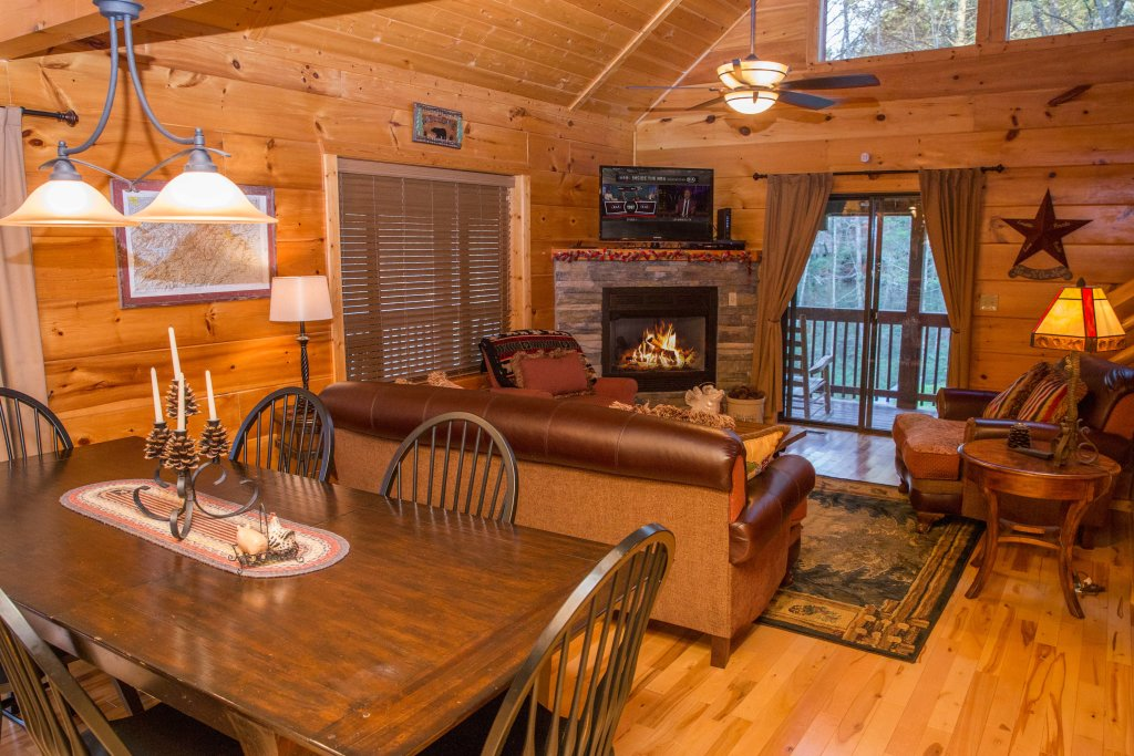 Photo of a Sevierville Cabin named Cub Creek Lodge - This is the fifth photo in the set.