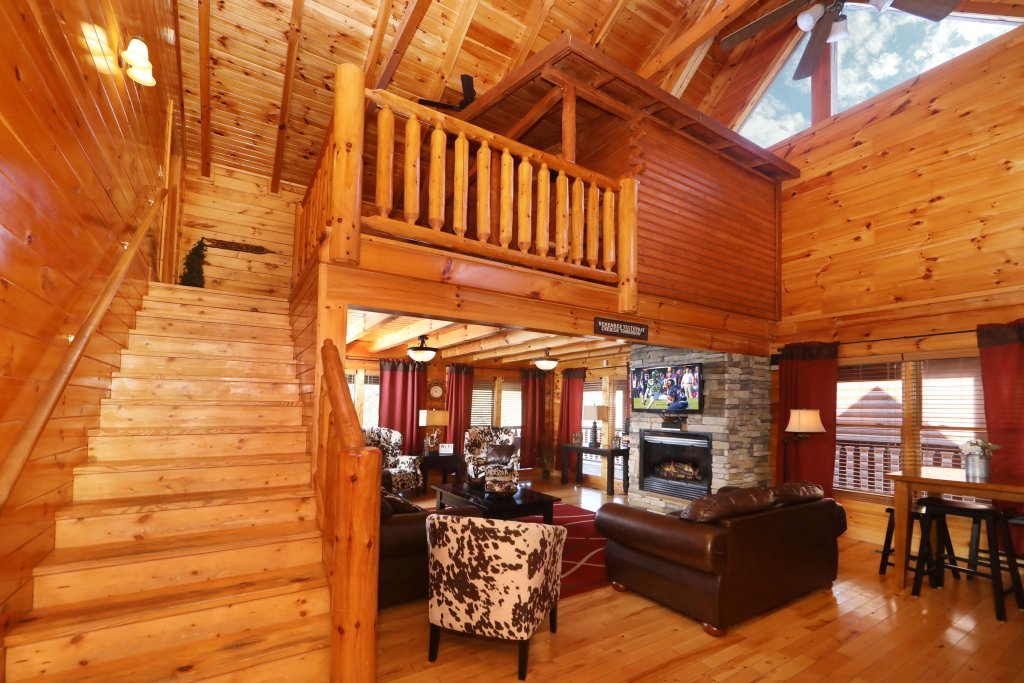 Photo of a Sevierville Cabin named Playhouse Cinema - This is the seventh photo in the set.