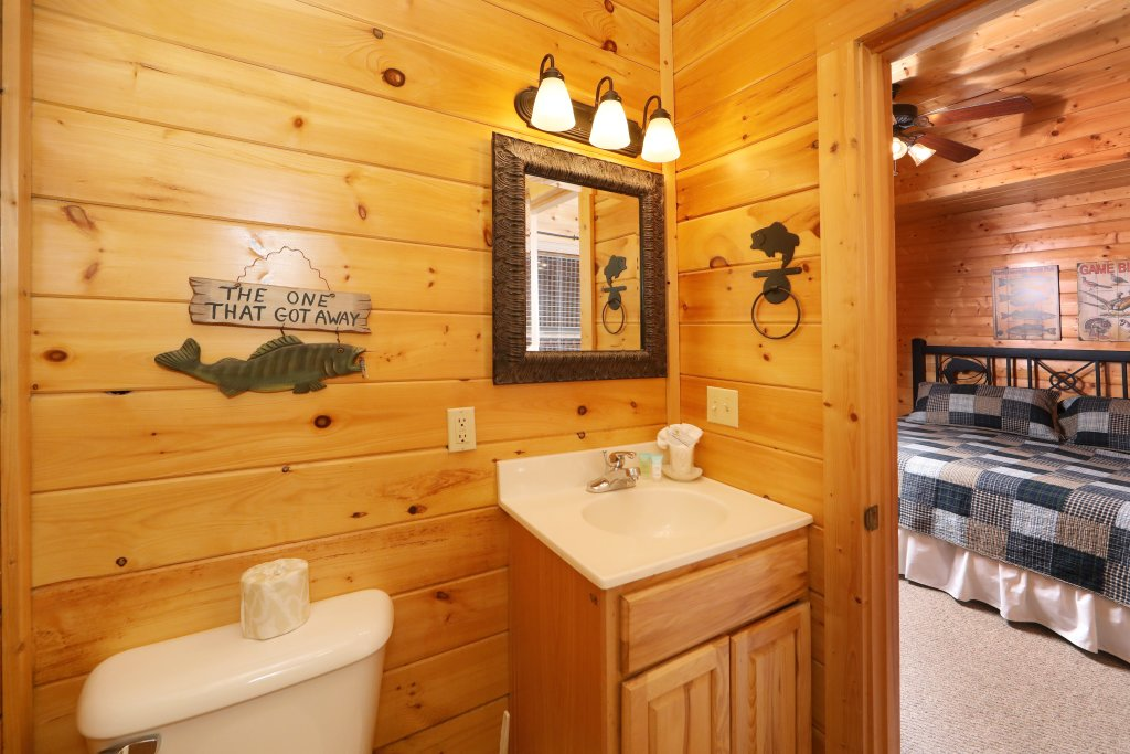 Photo of a Sevierville Cabin named Echoes Of Eden - This is the twenty-third photo in the set.