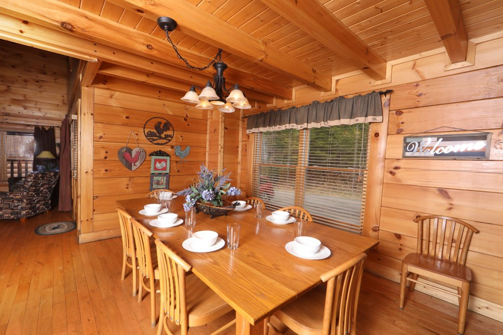 Photo of a Sevierville Cabin named Echoes Of Eden - This is the twenty-seventh photo in the set.