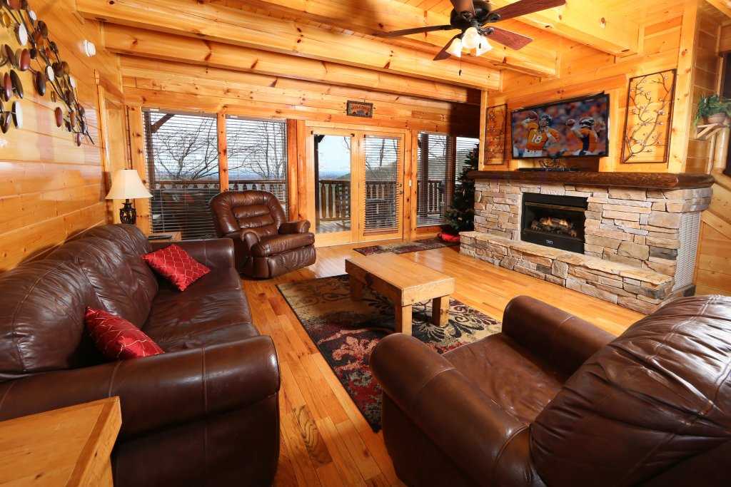 Photo of a Sevierville Cabin named Rising Eagle Lodge - This is the second photo in the set.