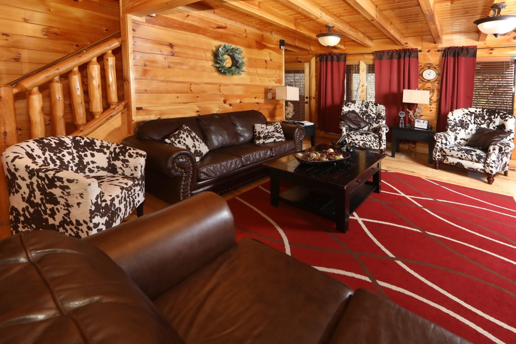 Photo of a Sevierville Cabin named Playhouse Cinema - This is the sixth photo in the set.