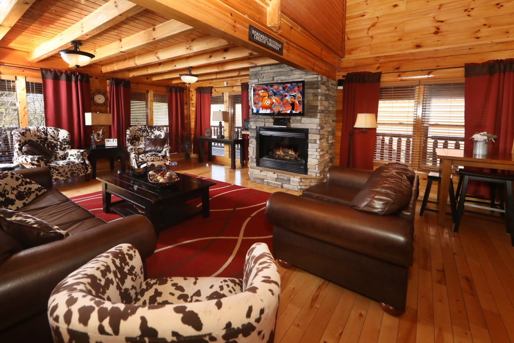 Photo of a Sevierville Cabin named Playhouse Cinema - This is the third photo in the set.