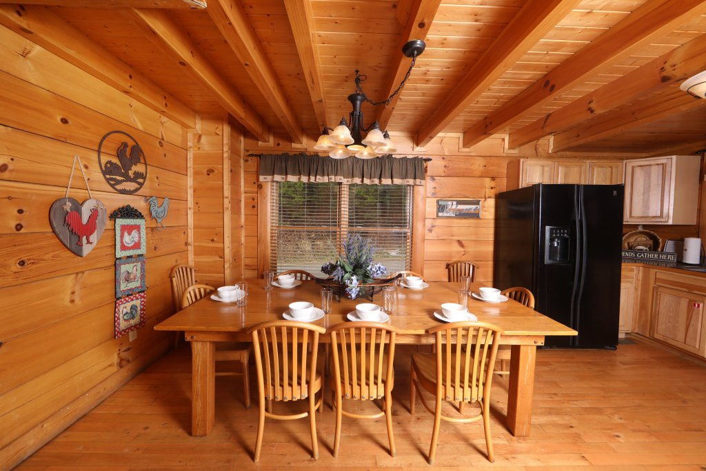 Photo of a Sevierville Cabin named Echoes Of Eden - This is the twenty-eighth photo in the set.
