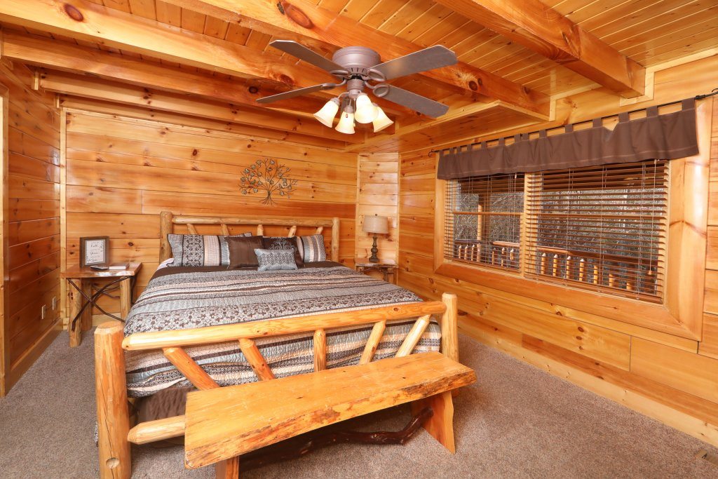 Photo of a Sevierville Cabin named Playhouse Cinema - This is the twenty-fourth photo in the set.