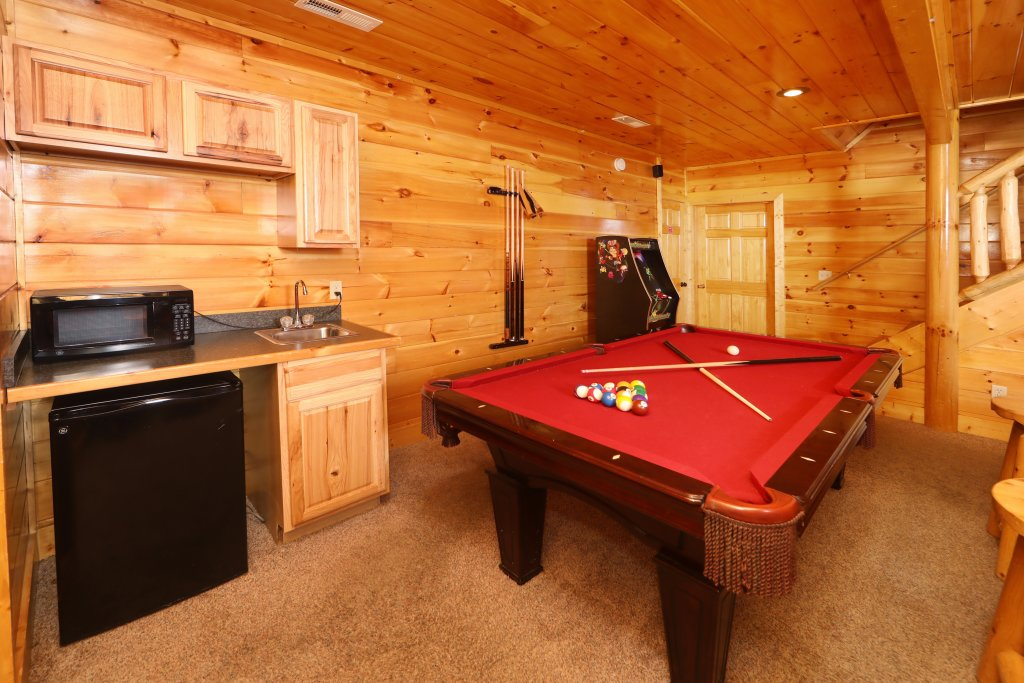 Photo of a Sevierville Cabin named Playhouse Cinema - This is the thirty-second photo in the set.