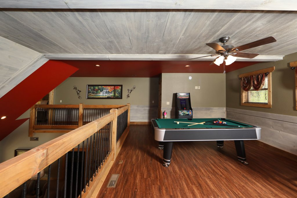 Photo of a Gatlinburg Chalet named Movie Dive-inn - This is the twenty-first photo in the set.