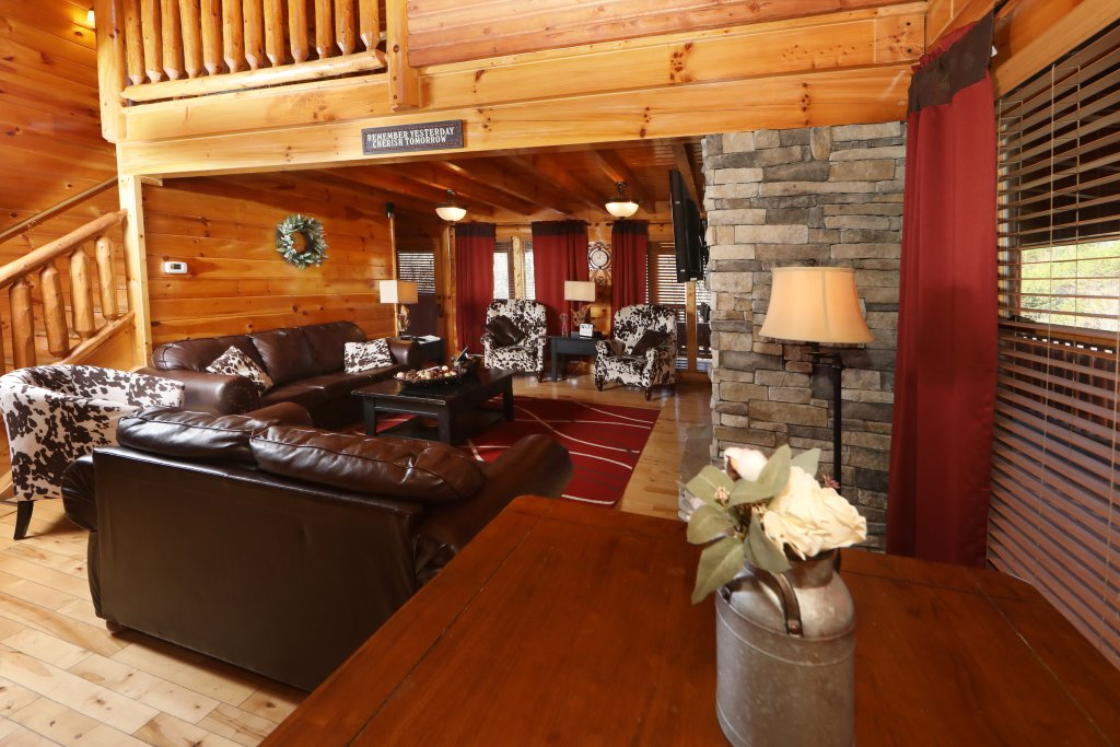 Photo of a Sevierville Cabin named Playhouse Cinema - This is the fourth photo in the set.