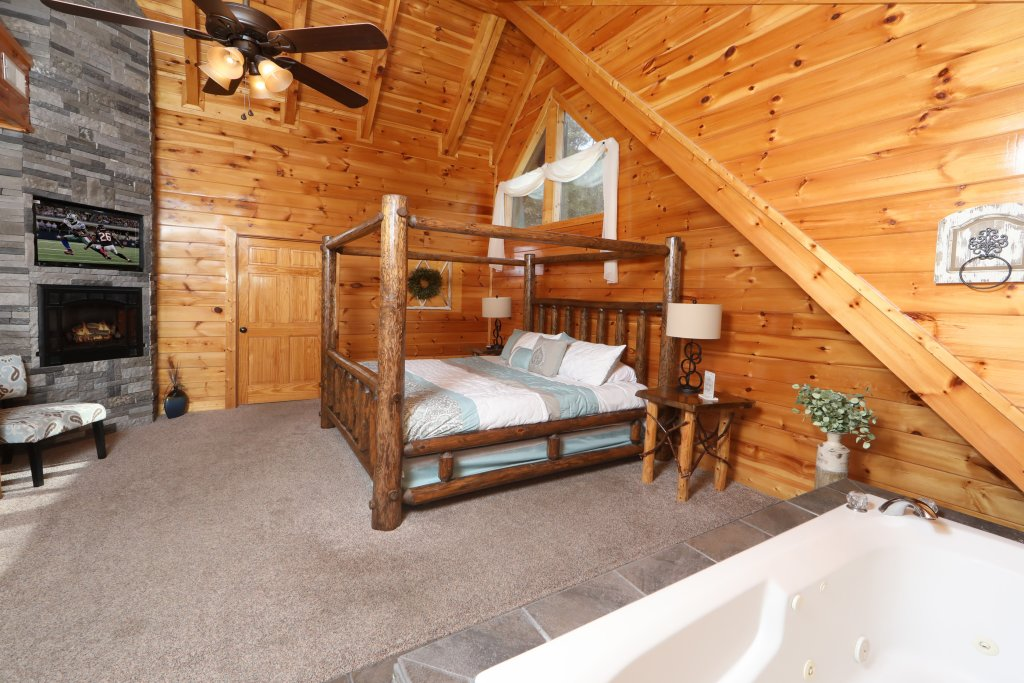 Photo of a Sevierville Cabin named Playhouse Cinema - This is the ninth photo in the set.