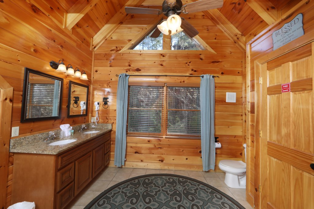 Photo of a Sevierville Cabin named Playhouse Cinema - This is the eleventh photo in the set.