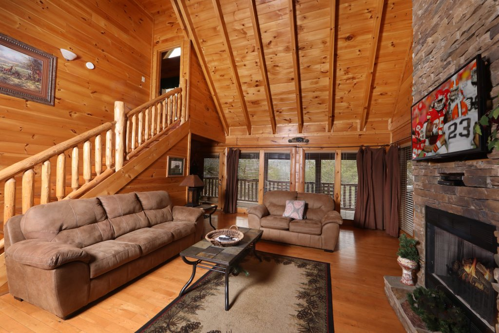 Photo of a Sevierville Cabin named Echoes Of Eden - This is the fourth photo in the set.