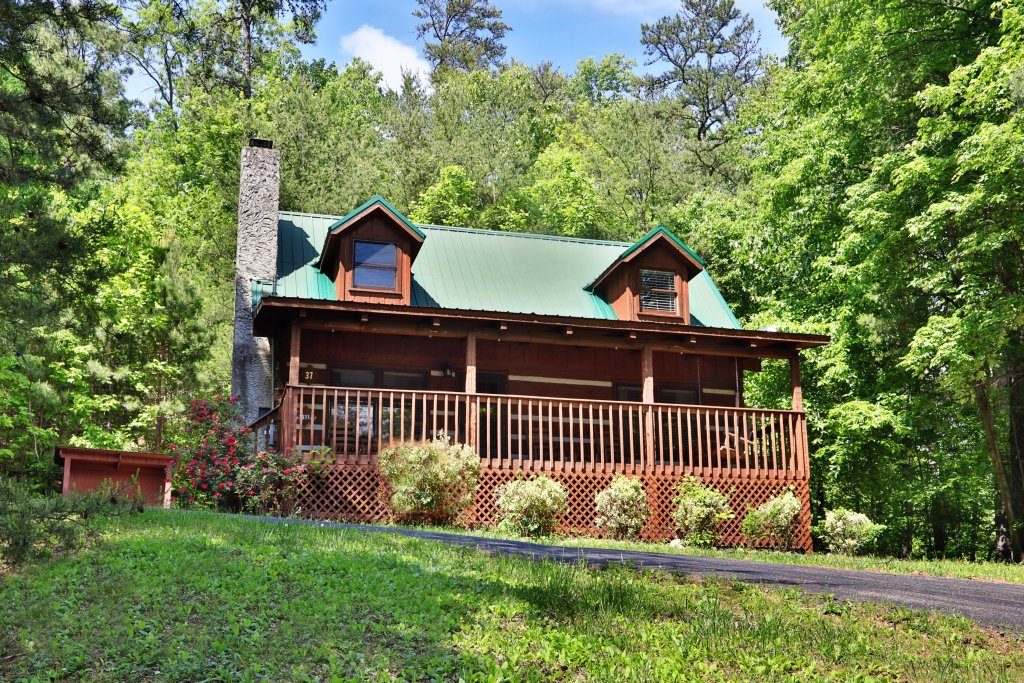 Photo of a Gatlinburg Cabin named Bear Trails - This is the thirty-second photo in the set.