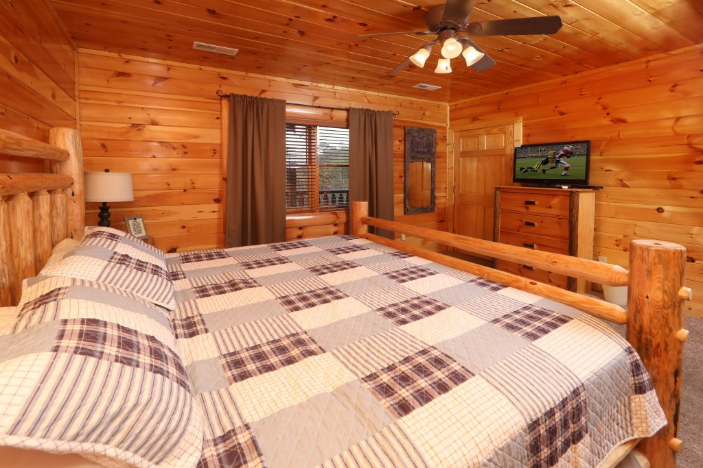 Photo of a Sevierville Cabin named Playhouse Cinema - This is the thirteenth photo in the set.