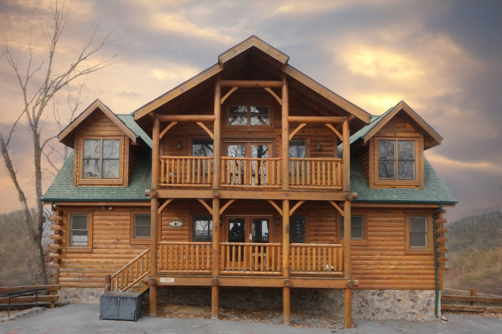 Photo of a Sevierville Cabin named Rising Eagle Lodge - This is the first photo in the set.