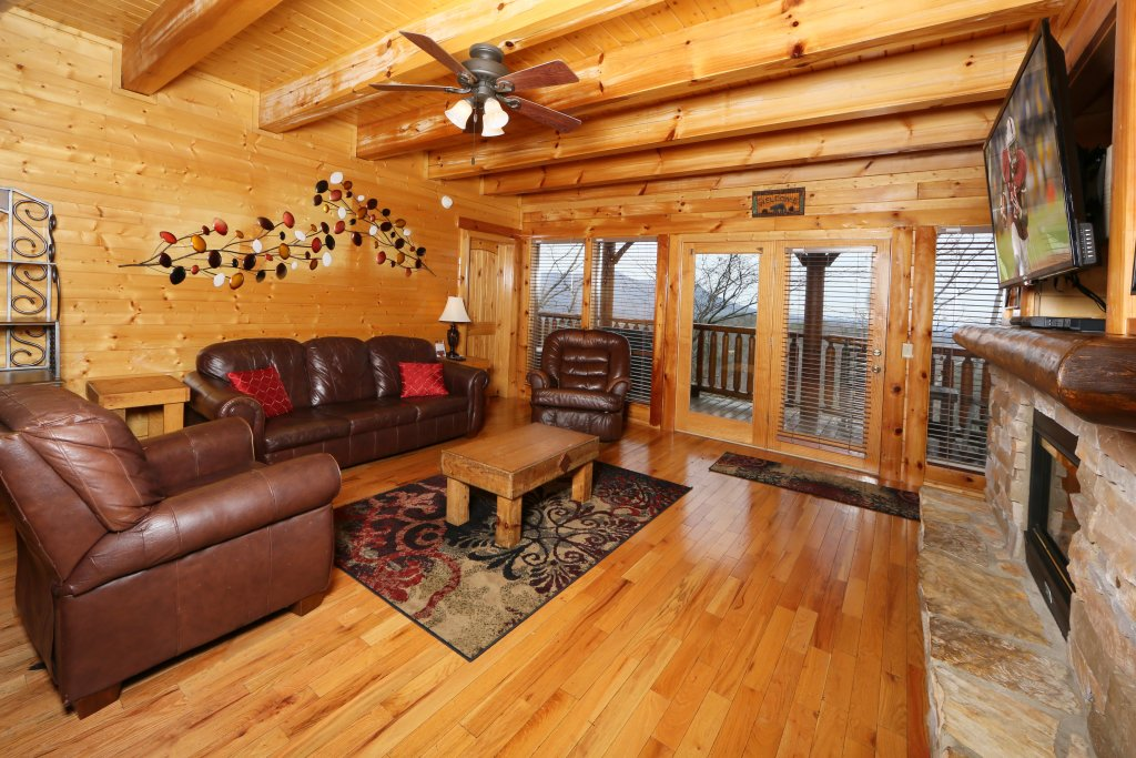 Photo of a Sevierville Cabin named Rising Eagle Lodge - This is the third photo in the set.