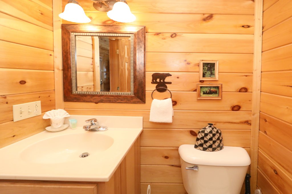 Photo of a Sevierville Cabin named Echoes Of Eden - This is the twentieth photo in the set.