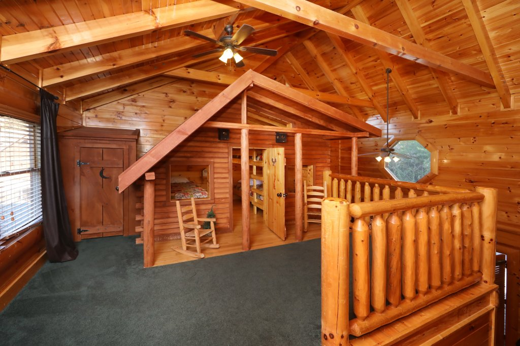 Photo of a Sevierville Cabin named Playhouse Cinema - This is the twenty-fifth photo in the set.