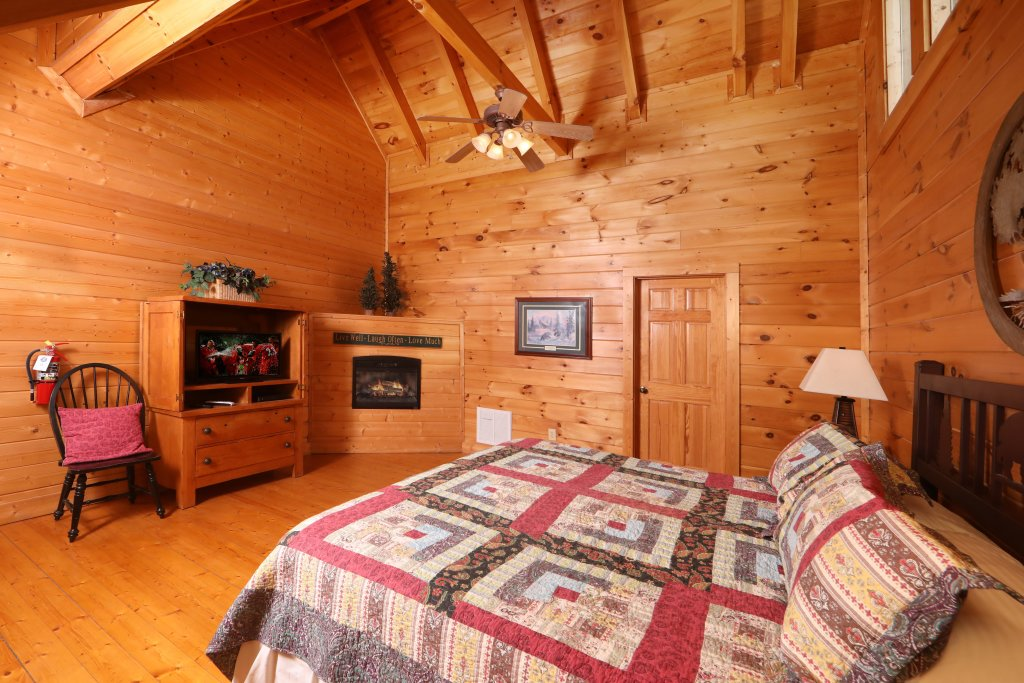 Photo of a Sevierville Cabin named Echoes Of Eden - This is the twelfth photo in the set.