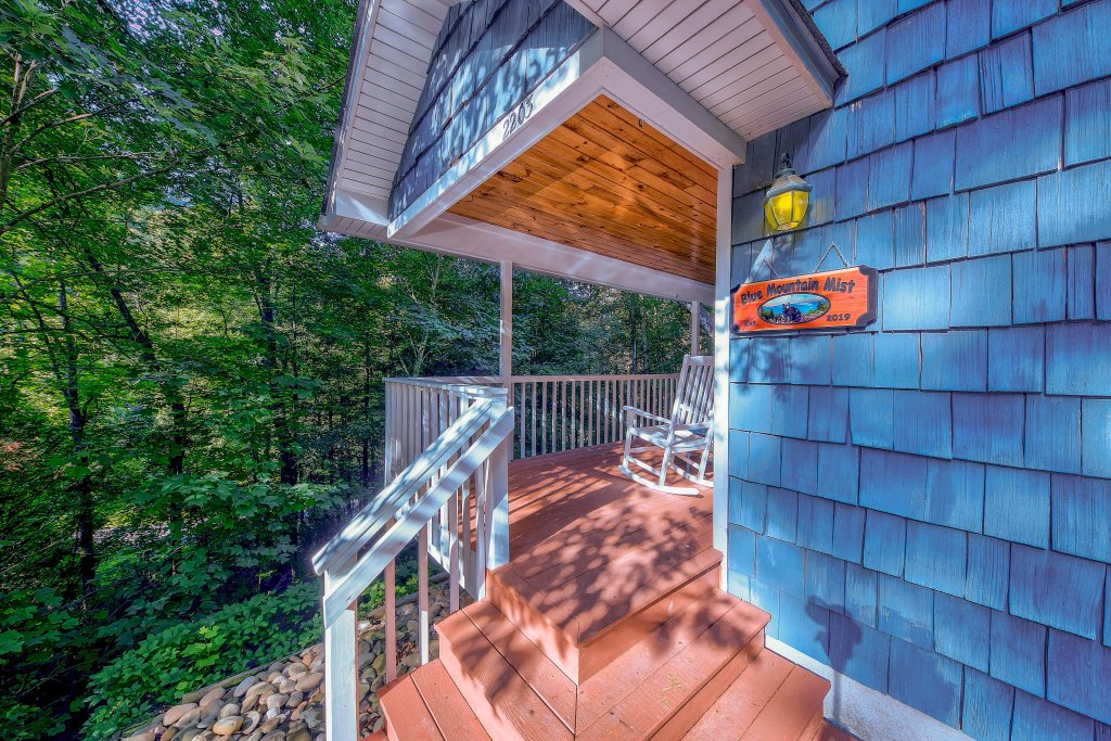 Photo of a Gatlinburg Chalet named Blue Mountain Mist - This is the second photo in the set.