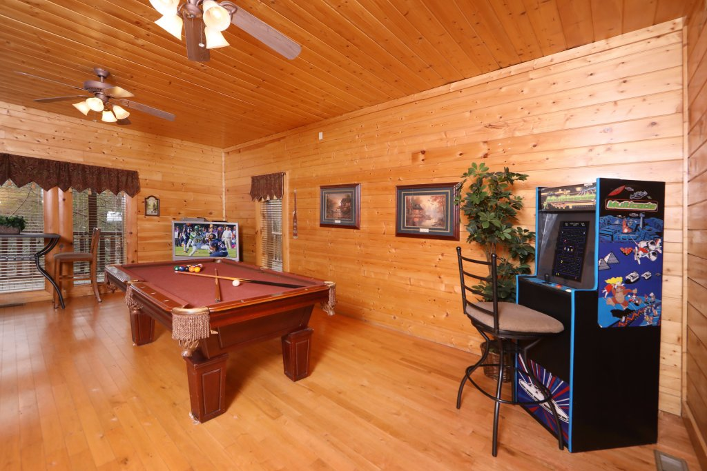 Photo of a Sevierville Cabin named Echoes Of Eden - This is the twenty-sixth photo in the set.