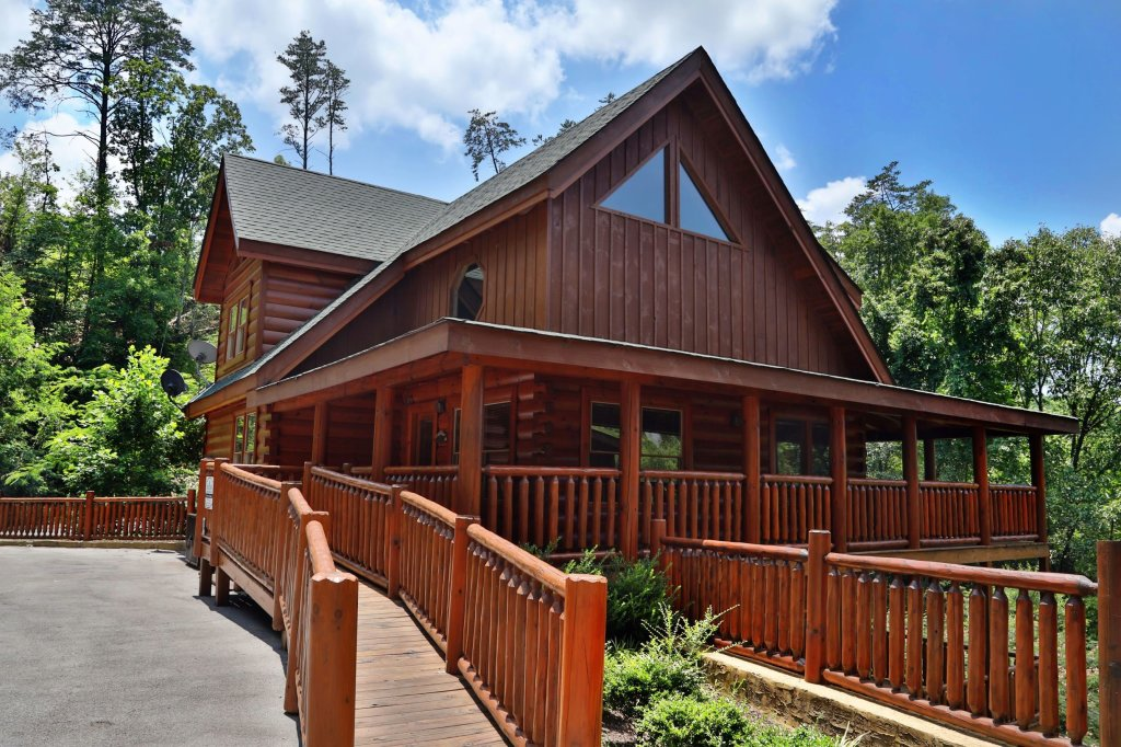 Photo of a Sevierville Cabin named Playhouse Cinema - This is the first photo in the set.