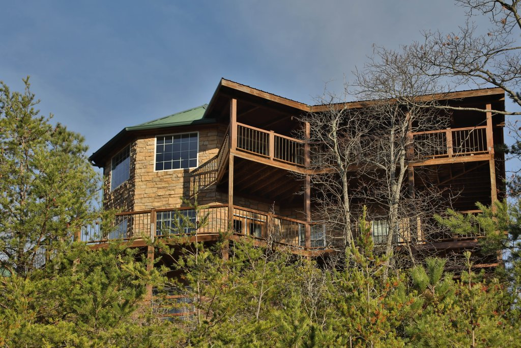Photo of a Sevierville Cabin named A View For All Seasons - This is the first photo in the set.