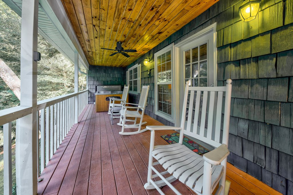 Photo of a Gatlinburg Chalet named Blue Mountain Mist - This is the nineteenth photo in the set.