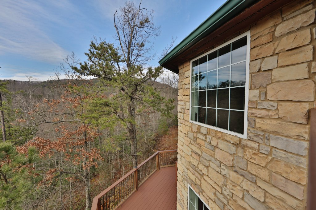 Photo of a Sevierville Cabin named A View For All Seasons - This is the fortieth photo in the set.