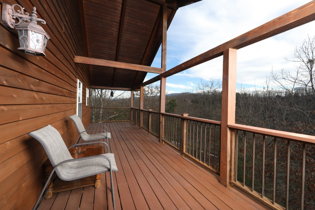 Photo of a Sevierville Cabin named A View For All Seasons - This is the forty-second photo in the set.