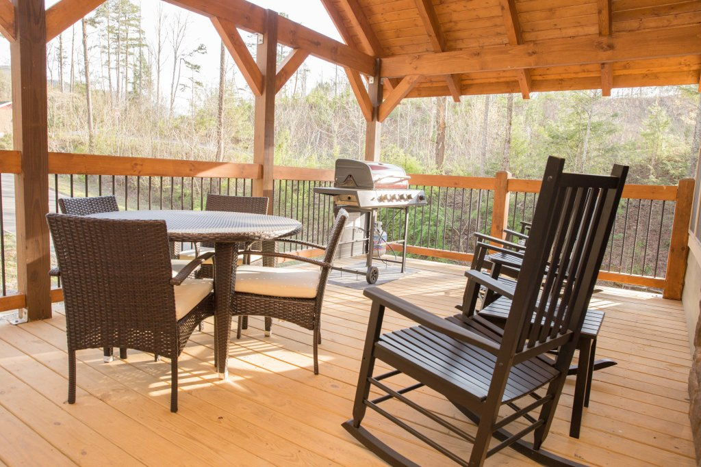 Photo of a Gatlinburg Chalet named Serene Oasis - This is the thirty-fourth photo in the set.