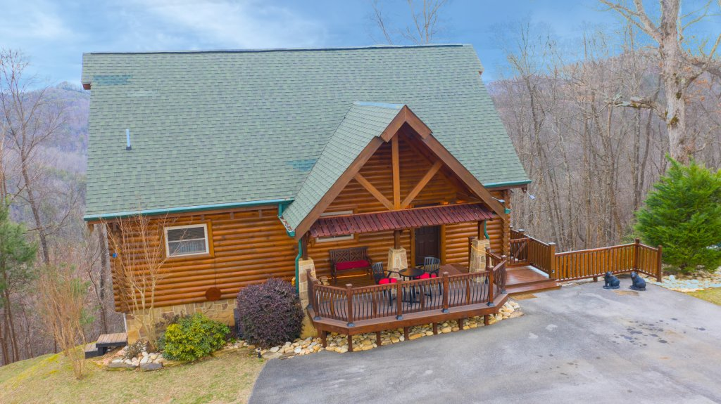 Photo of a Sevierville Cabin named Psalm 2705 - This is the thirty-second photo in the set.