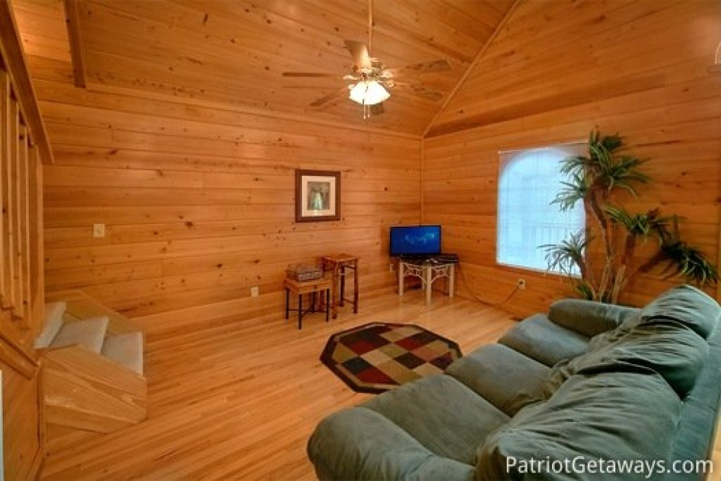 Photo of a Gatlinburg Cabin named Quality Time - This is the seventh photo in the set.