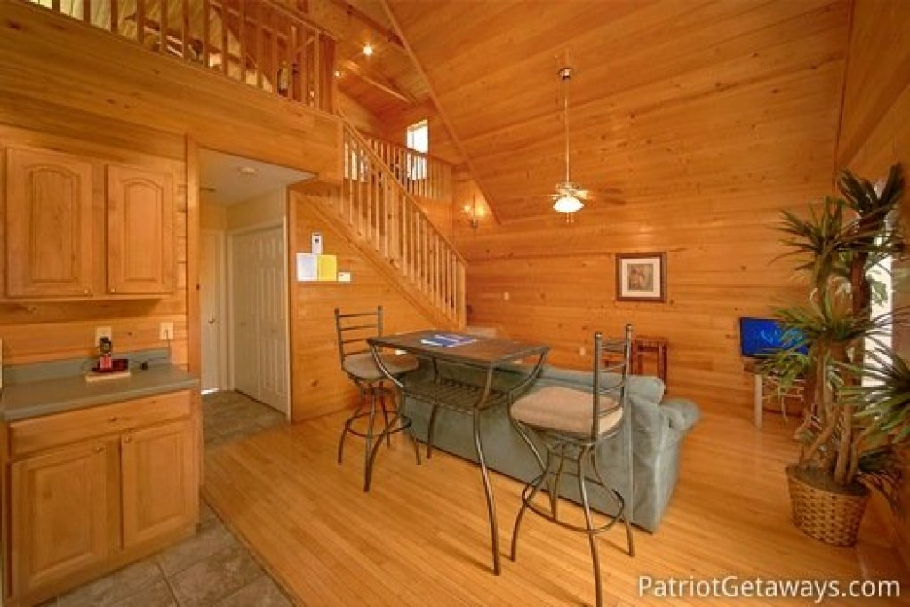 Photo of a Gatlinburg Cabin named Quality Time - This is the eighth photo in the set.