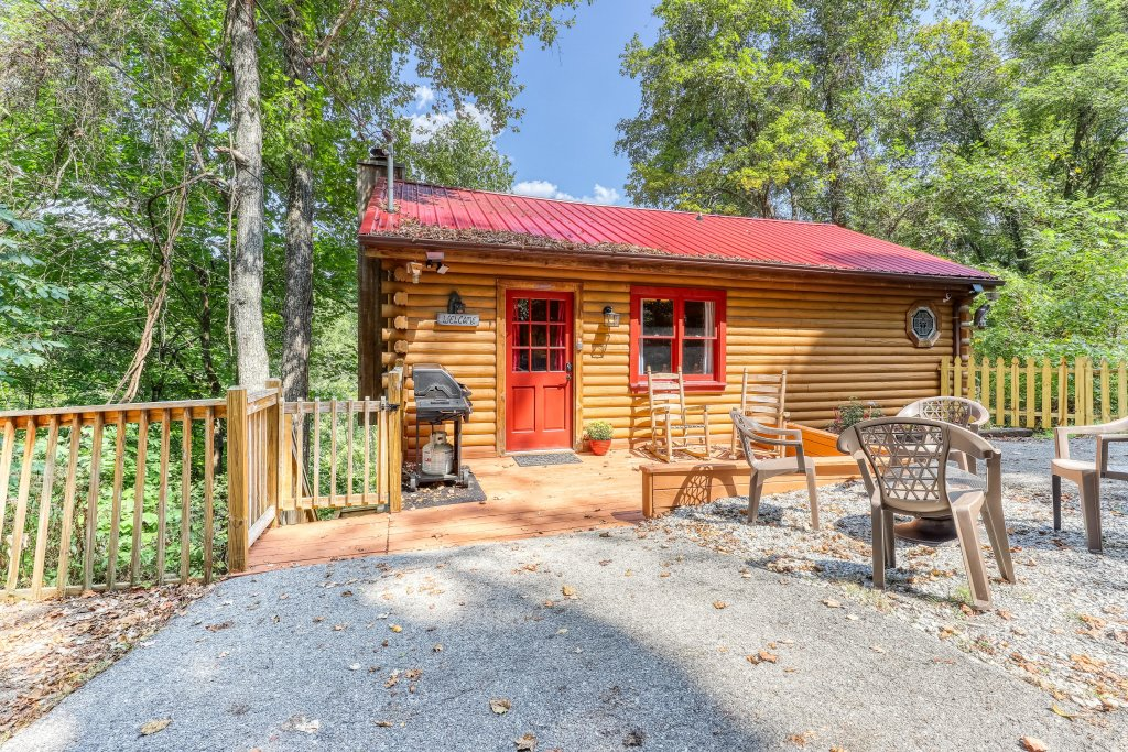 Photo of a Sevierville Cabin named Mountain Ridge Cabin - This is the third photo in the set.