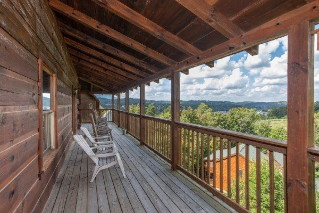 Photo of a Pigeon Forge Cabin named Bear Country - This is the twelfth photo in the set.