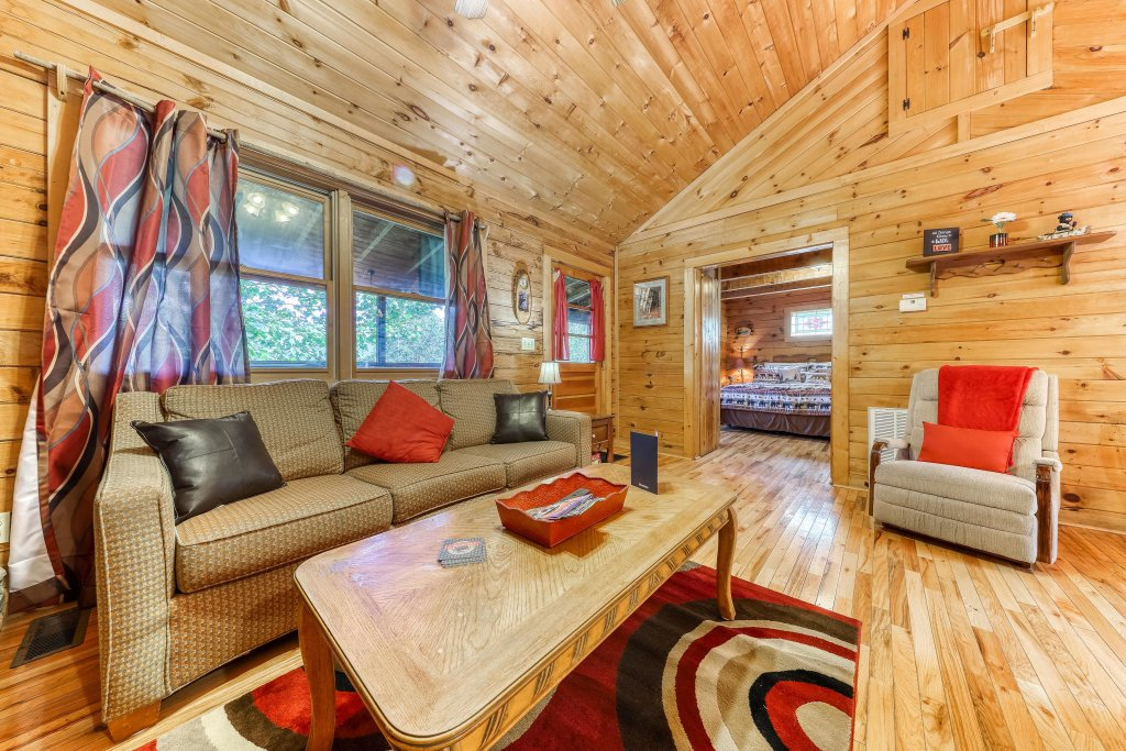 Photo of a Sevierville Cabin named Mountain Ridge Cabin - This is the first photo in the set.